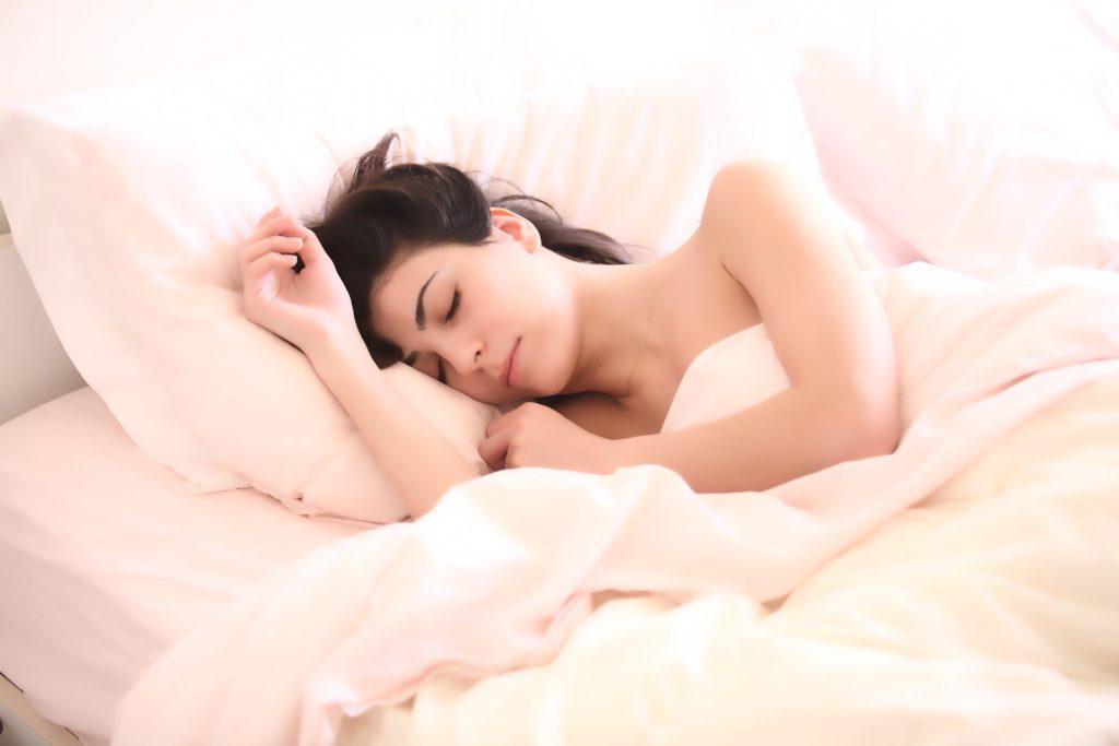 ¿Conoces los mitos que rodean el sueño?
